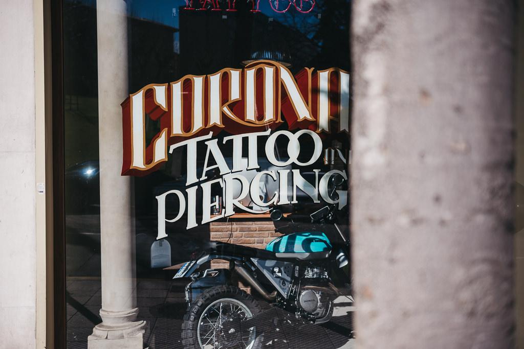 Preboda en un estudio de tatuajes en Oviedo